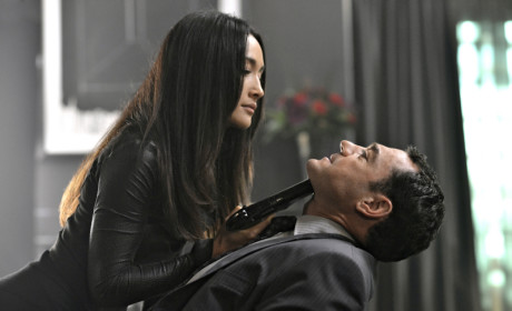 Nikita: Watch Season 4 Episode 4 Online