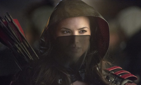 Arrow Photo Preview: Battling the Assassins