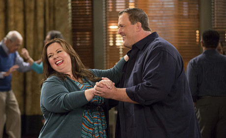Mike and Molly Dancing