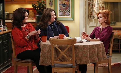 Mike & Molly: Watch Season 4 Episode 15 Online