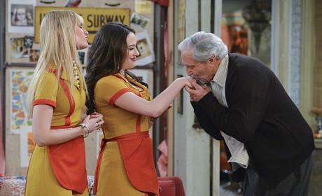2 Broke Girls Review: Bad Grandpa
