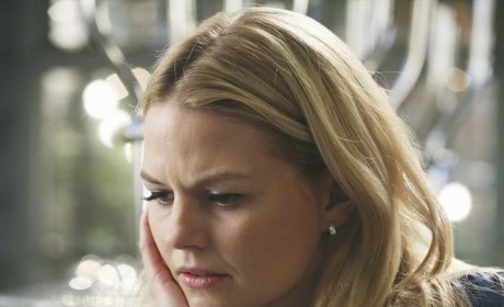 Should Emma forgive Hook for not telling her about Zelena's curse?