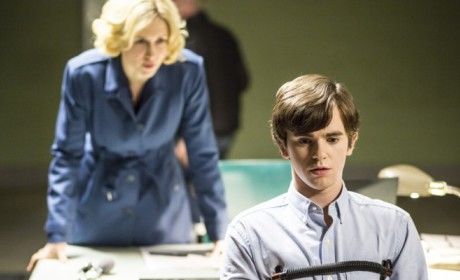 Bates Motel: Watch Season 2 Episode 10 Online