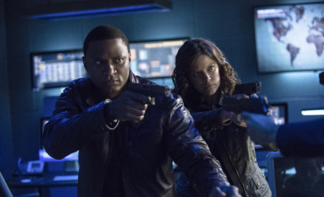 Diggle and Lyla Aim at Waller