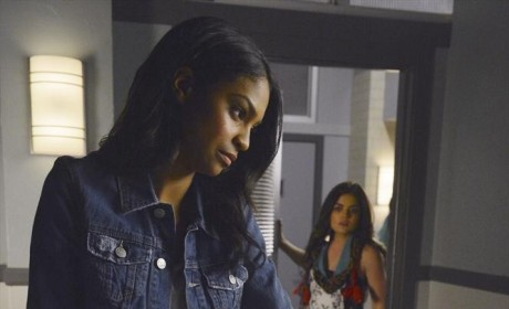 Aria Sees Shana with Ezra