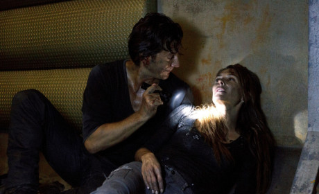 The 100 Review: On the Brink