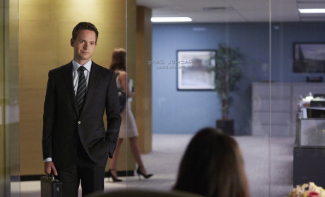 Patrick J. Adams Previews Mike's Return on Suits, Rachel Future & More