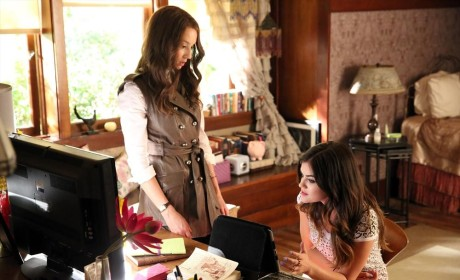 Getting Down to Business - Pretty Little Liars Season 5 Episode 10