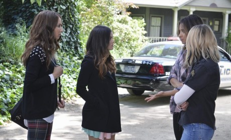 The Police Are Here! - Pretty Little Liars Season 5 Episode 10