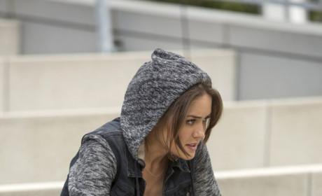 Liz Keeps a Low Profile - The Blacklist Season 2 Episode 1