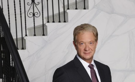 Jeff Perry as Cyrus in Season 4 - Scandal