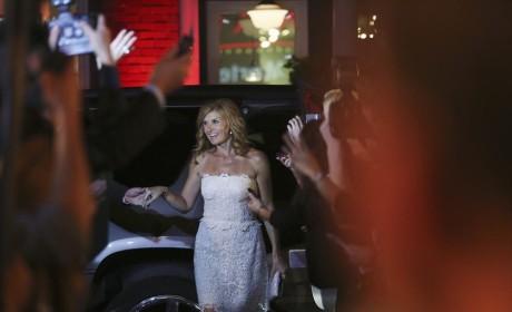 Stepping Out - Nashville Season 3 Episode 1