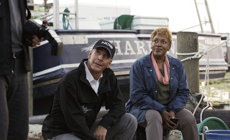 NCIS New Orleans Preview: Gary Glasberg on NCIS Crossovers, Villains to Come & More