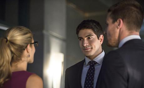 Meet the Competition - Arrow Season 3 Episode 1