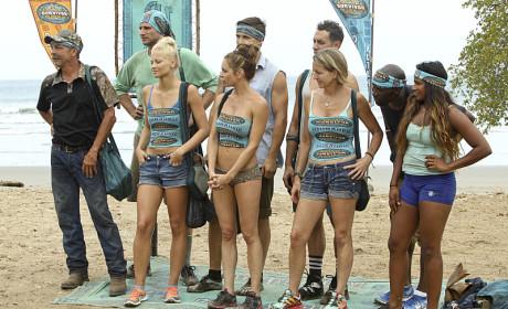 18 Contestants Arrive - Survivor