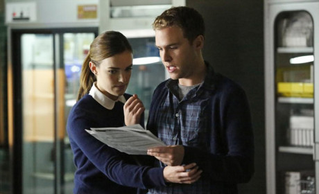 Fitz and Simmons Plan on Agents of S.H.I.E.L.D. Season 2 Episode 2