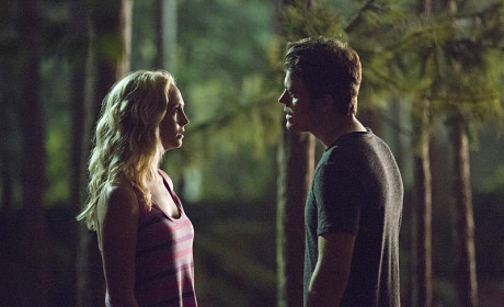 Caroline and Stefan Meet in the Dark - The Vampire Diaries Season 6 Episode 3