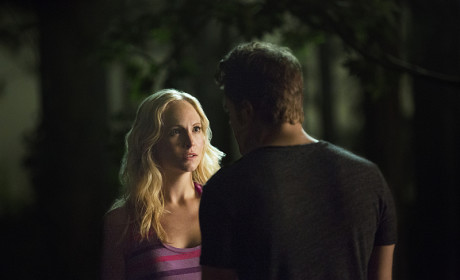 Looking Worried - The Vampire Diaries Season 6 Episode 3