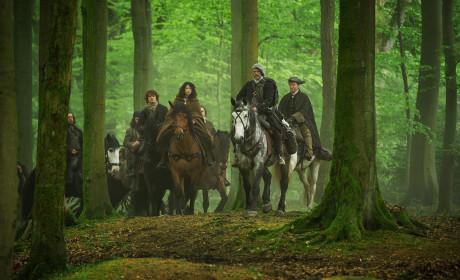 The MacKenzie Clan traveling. - Outlander Season 1 Episode 8