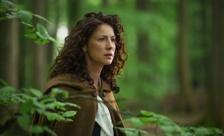Claire sees the Craigh na Dun stones - Outlander Season 1 Episode 8