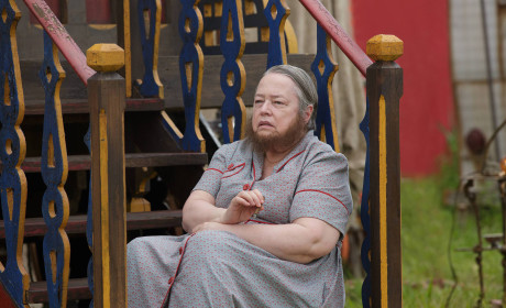 Kathy Bates Confirmed for American Horror Story: Hotel