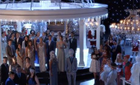 The Gathering Christmas Crowd - Pretty Little Liars Season 5 Episode 13