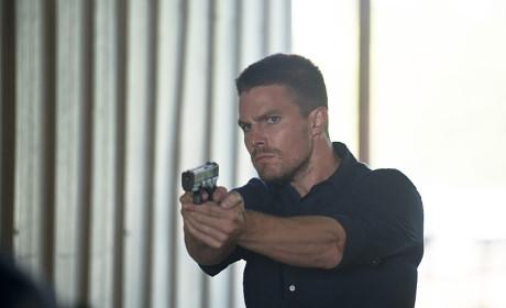Oliver Looks Serious - Arrow Season 3 Episode 3