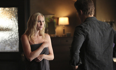 Caroline in a Towel! - The Vampire Diaries Season 6 Episode 5