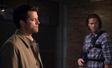 Cas Drops By - Supernatural Season 10 Episode 3