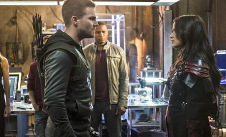 Facing Off - Arrow Season 3 Episode 4