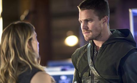 Talking to Laurel - Arrow Season 3 Episode 4