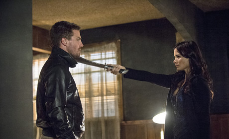 Off With Your Head! - Arrow Season 3 Episode 4