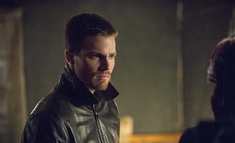 Glaring - Arrow Season 3 Episode 4