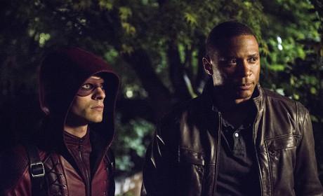 Suited Up - Arrow Season 3 Episode 4