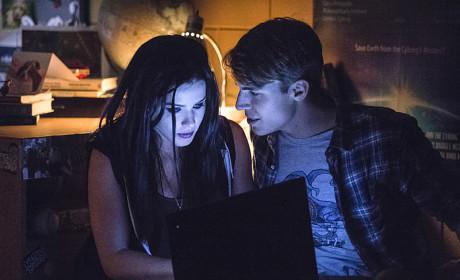 Felicity and Cooper - Arrow Season 3 Episode 5