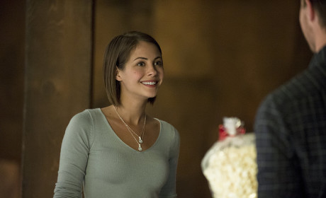 Thea Loves Popcorn - Arrow Season 3 Episode 5