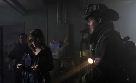 Severide and Lindsay examine the scene - Chicago Fire Season 3 Episode 7