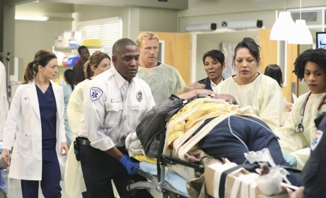Out of the Way Please! - Grey's Anatomy Season 11 Episode 7
