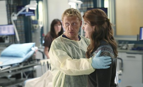 Hold Me Back! - Grey's Anatomy Season 11 Episode 7