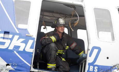 Severide in a helicopter - Chicago Fire Season 3 Episode 8