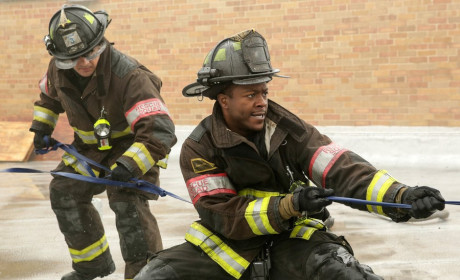 Pull Newhouse, Pull! - Chicago Fire Season 3 Episode 8
