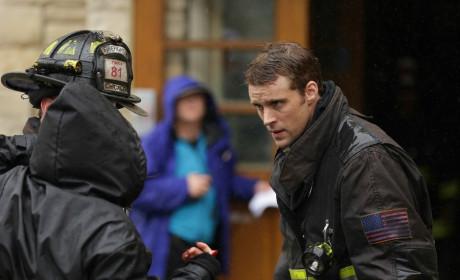Casey discusses the rescue - Chicago Fire Season 3 Episode 8