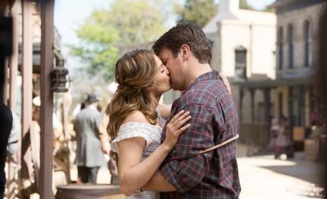 A Romantic Moment - Castle Season 7 Episode 7