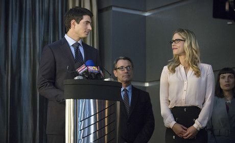 All Business? - Arrow Season 3 Episode 7