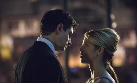 Closing In - Arrow Season 3 Episode 7