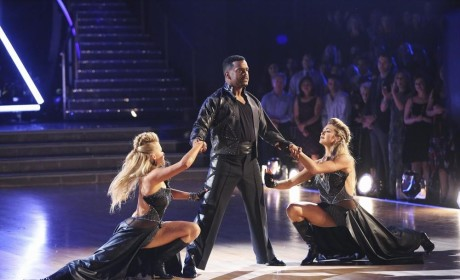 Alfonso and Witney are Joined By Lindsey for a Perfect Paso Doble - Dancing With the Stars Season 19 Episode 11