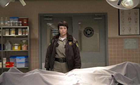 Supernatural Season 10 Episode 8 Review: Hibbing 911