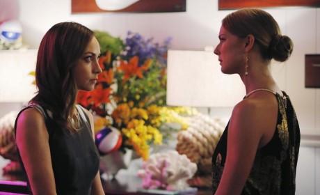 Agent Taylor Talks to Emily - Revenge Season 4 Episode 10
