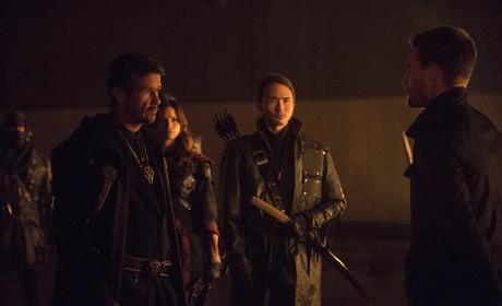 Carrying On - Arrow Season 3 Episode 9