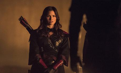 Nyssa Kneels - Arrow Season 3 Episode 9